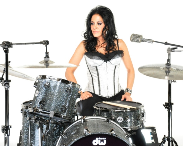 Drummer Girls: The ladies who are taking over♀